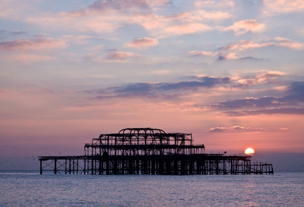 Brighton_West_Pier,_England_-_Oct_2007.jpg