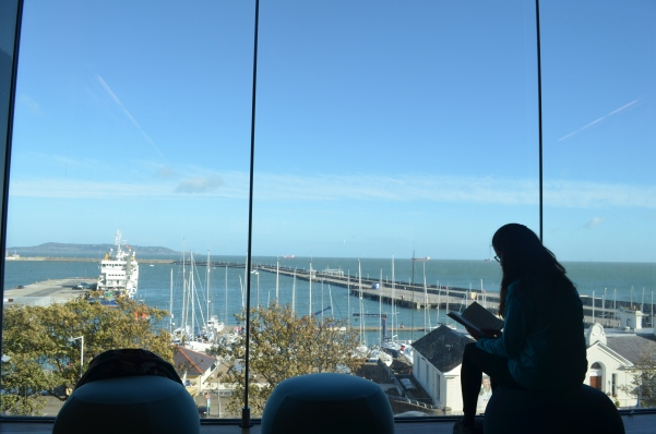 Biblioteca-Dun-Laoghaire.JPG