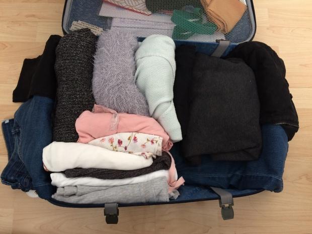 ropa-enrollada-maleta.JPG